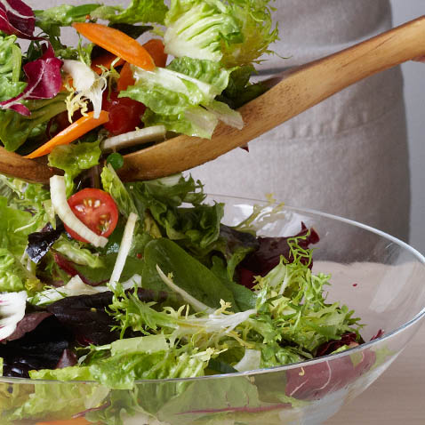 How to Build a Perfect Salad in 5 Simple Steps
