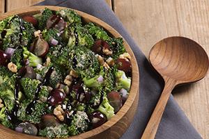 Creamy Broccoli and Grape Salad